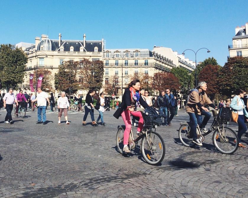 "Helmets in Paris, as an Uber driver told me, are ""pas obligatoire."""